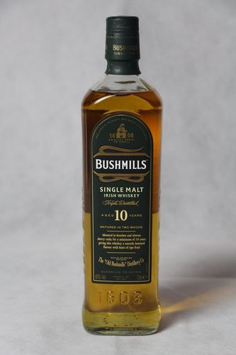 Bushmills Irish Single Malt Whiskey - 10 Jahre - 40,0% Vol. - 0,7 ltr.
